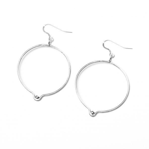 hidden_orbicular_earrings